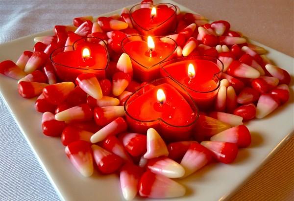 centros-de-mesa-para-san-valentin-caramelos-velas-corazon-e1389008975254